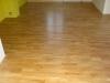 pokladka-drevenei-podlahy-celoplosna-fixace